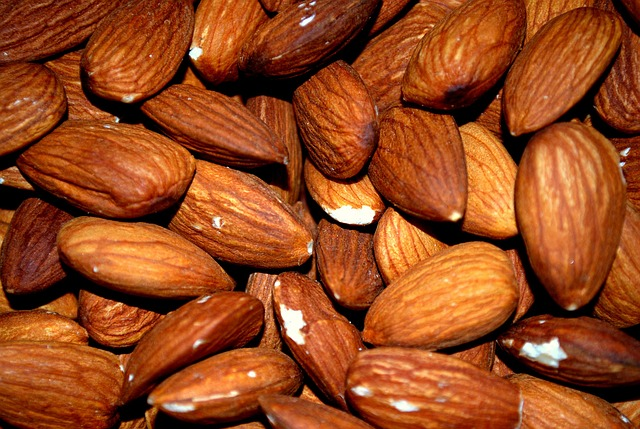 almonds for skin care