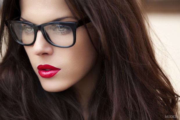 beautiful face model wearling glasses
